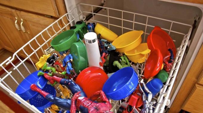 nettoyer-et-laver-jouet-enfants